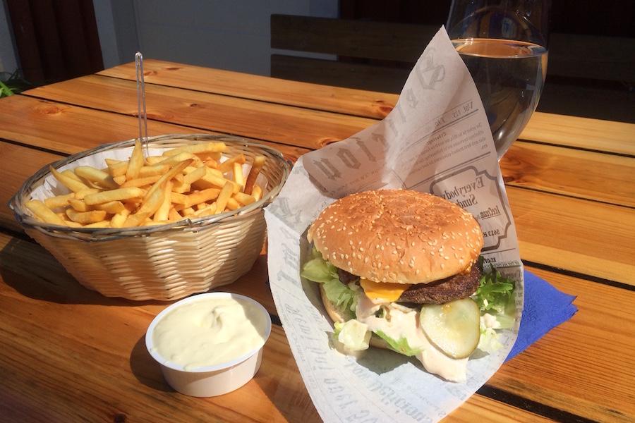 burgeri-saaristo-LE-COOL-Tampere